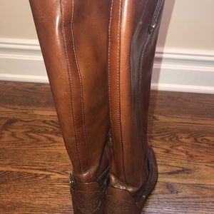 Tory Burch size 7 brown boots